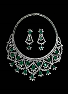 Picture of A very opulent Diamonds and Emeralds Necklace set