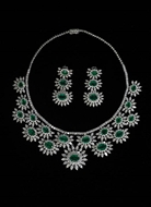 Picture of An attractive Regal Pattern Diamonds and Emeralds Necklace set