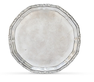 Picture of A circular English hallmark plate