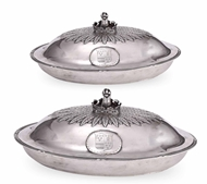Picture of A FINE PAIR OF SILVER TUREENS