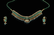 Picture of A SUIT OF TURQUOISE AND DIAMOND JEWELLERY